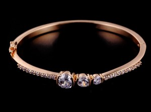 Luxury Rose Gold Bangle Cz Swiss