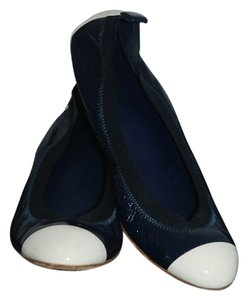 Chanel Ballet navy/white Flats
