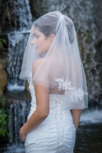 Zveil Ivory Or White Short Two Tier Lace Applique Bridal Veil