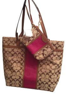 Coach Signature Snake Print Wristlet Large Tote in Khaki/Cherry