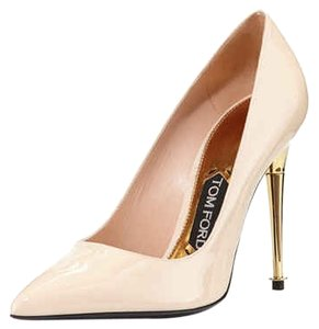 Tom Ford Patent Patent Leather nude Pumps
