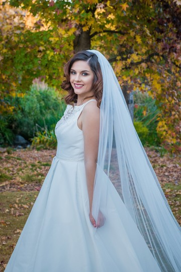 Zveil Ivory Or White Long Cathedral Bridal Veil Image 1