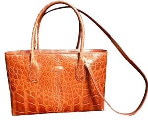 Tod's Rarely Used Tote in Saddle Brown