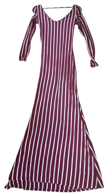 Item - Burgundy Loila Long Night Out Dress Size 12 (L)