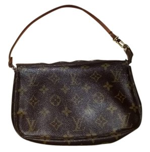 Louis Vuitton Pouch Make Up Accessories Neverfull Wristlet in Brown