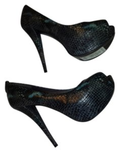 Stuart Weitzman Black and blue python Platforms