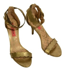 Betsey Johnson Gold Pumps