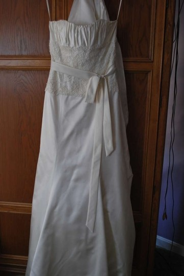 Jim Hjelm Occasions Ivory Silk Lace 8662 Formal Wedding Dress Size 12 (L)