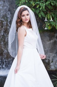 Zveil Hip / Waist Length Veil With Beading And Dangling Gemstones