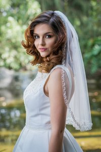 Zveil Waist Length Short Veil With Beaded Sparkly Edge