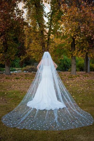 Zveil Ivory Or White Long Cathedral Floral with 3d Flowers Bridal Veil Image 4