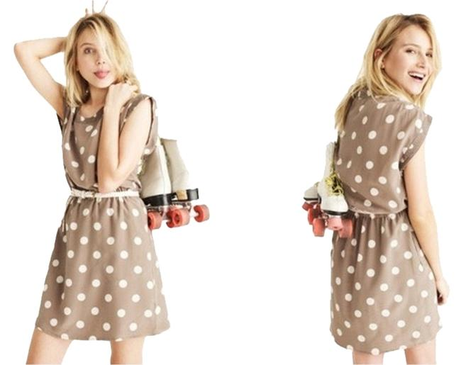 Preload https://item1.tradesy.com/images/madewell-beige-silk-dotty-xsmall-item-79764-knee-length-workoffice-dress-size-4-s-1260485-0-0.jpg?width=400&height=650