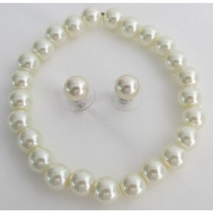 Classic Pearl Stretchable Bracelet Ivory Pearl Stud Earrings