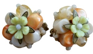 Vintage Vintage 1950's flower clip earrings