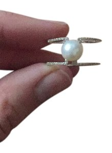 Silver ring with a high quality pearl
