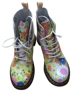 Dr. Martens yellow multi - white & pink daisies Boots