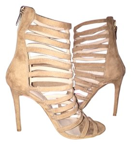 Express Beige suede Sandals