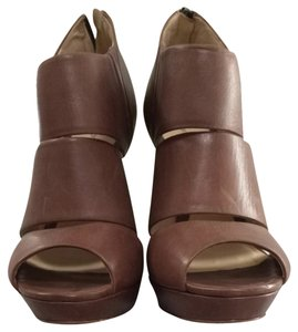 Alexandre Birman Brown Leather Wedges
