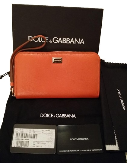 Preload https://item1.tradesy.com/images/dolce-and-gabbana-leather-wristlet-1261395-0-0.jpg?width=440&height=440