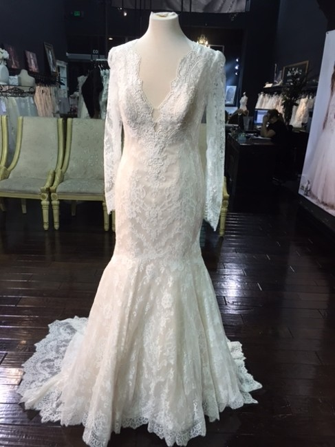 Item - Ivory Over Baby Pink Lace Allure/95 Vintage Wedding Dress Size 10 (M)