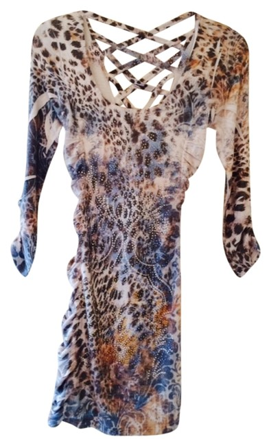 Preload https://item4.tradesy.com/images/multi-blue-tan-and-light-silver-leopard-colored-print-short-casual-dress-size-6-s-1262408-0-0.jpg?width=400&height=650