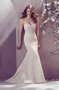 Mikaella Bridal Natural Lace with Pearl Lining Modern Wedding Dress Size 8 (M)