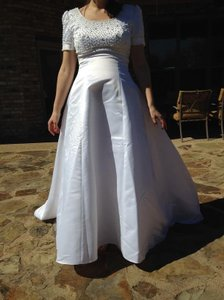 Alfred Angelo White Satin Look Polyester Pearled Short Sleeve Traditional Wedding Dress Size 10 (M)