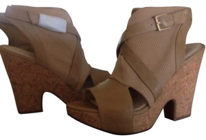 Naya Sandal Leather Tan Platforms