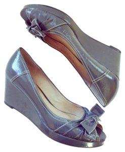Kenneth Cole Reaction Gray Wedges