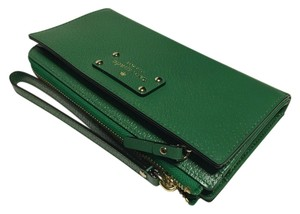 Kate Spade Kate Spade Layton Wellesley Sprout Green Leather Tech Wallet Clutch