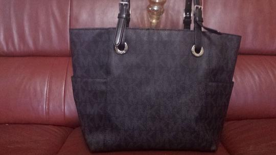 Michael Kors Mk Signature Signature Shoulder Bag