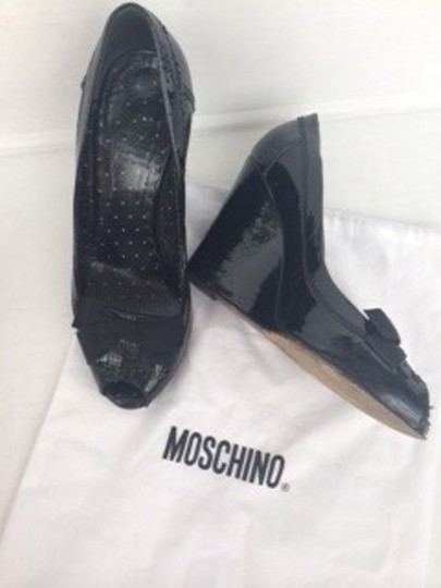 Moschino Cheap & Chic Patent Leather Peep Toe Size 6 Black Pumps