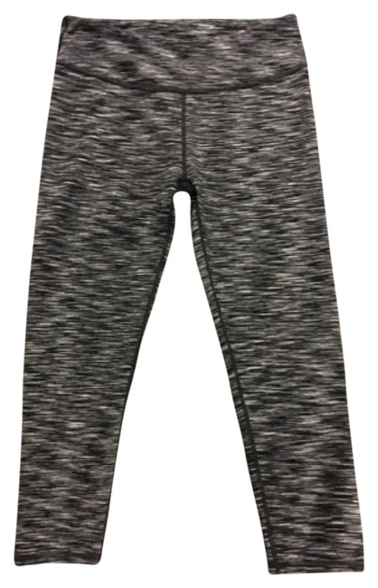 Item - Black and White Activewear Bottoms Size 4 (S, 27)