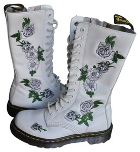 Dr. Martens White + white roses Boots
