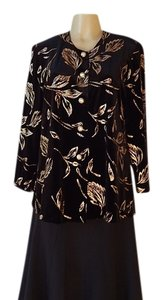 Liz Baker Petite Velveteen Evening Wear Sparckel Tone black & metalic gold Jacket
