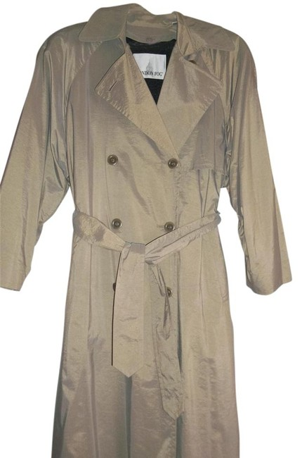 Preload https://item1.tradesy.com/images/london-fog-never-worn-runs-large-trench-coat-1265185-0-0.jpg?width=400&height=650
