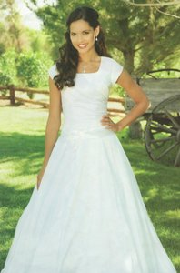 EnVogue Bridal 902 Modest Bridal Gown Wedding Dress