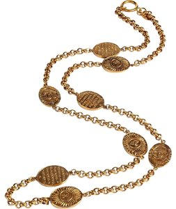 Chanel Chanel stunning Golden 80s Oval Sun Long Necklace