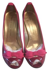 Marc by Marc Jacobs Leather Cloth Red with Pink Trim Pumps