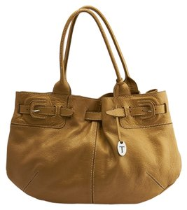 Tod's Leather Tote in Gold