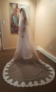Bridal 2 Tier Cathedral Lace Veil With Comb Light Ivory /off White