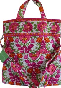 Vera Bradley Handbag Pet And Smoke Free Quilted Convertible Cross Body Bag
