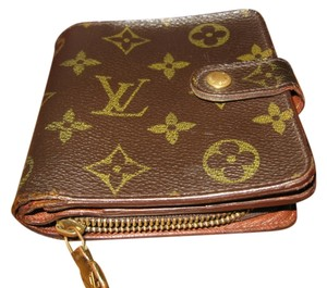 Louis Vuitton Louis Vuitton bifold wallet with snap closure