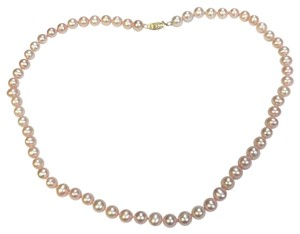 Pastel pink pearls necklace