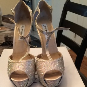 16a3347a4f1 Steve Madden Wedding Shoes - Up to 90% off at Tradesy
