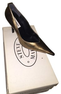 Steve Madden Gold Metal Pumps