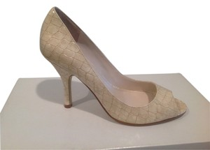 Enzo Angiolini Croco Pattern Cream Sandals