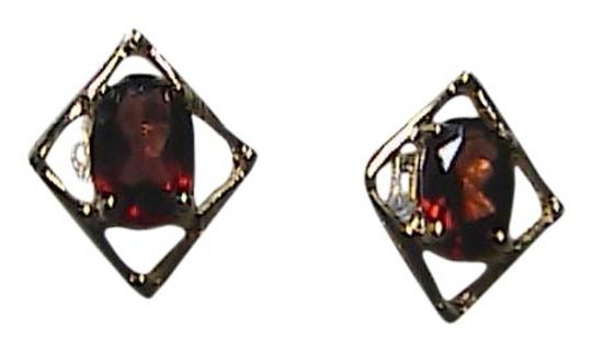 Unknown 0.9 carats Solid 10k Yellow Gold Natural Garnet Stud Earrings