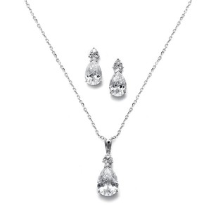 Mariell Bold Pear Solitaire Necklace And Earrings Set 2048s