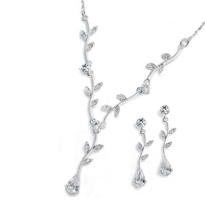 Mariell Crystal Bridesmaid Or Prom Necklace Set With Vine 580s-cr